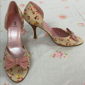 ★ Bakers floral fabric open-toe high heels.